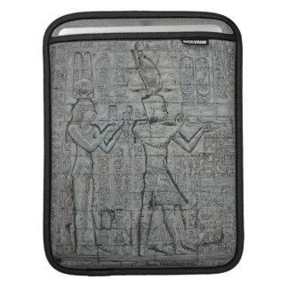 Kleopatra und Caesarion iPad Sleeve
