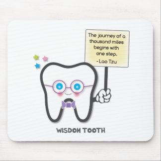 Klugheits-Zahn Mousepad
