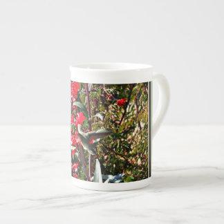 Knochen-China-Schale - Kolibri in der roten Blüte Porzellantasse