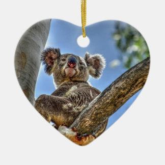 KOALA IM BAUM AUSTRALIEN MIT KUNST-EFFEKTEN KERAMIK Herz-Ornament
