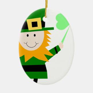 Kobold-glücklicher Klee-Mann Ovales Keramik Ornament