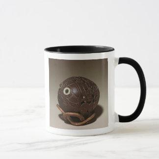 Kokosnuss gemeißelt in ein Gesicht, c.1895 Tasse