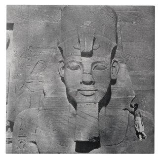 Kolossale Statue von Ramesses II bei Abu Simbel, Fliese