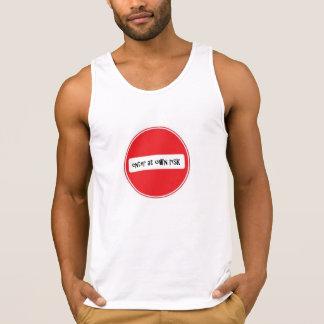 kommen Sie an eigenem Risiko-T - Shirt durch Dal