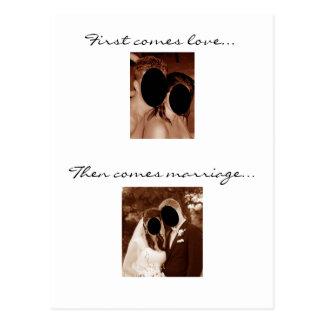Kommt zuerst Liebe… Wir haben ein Baby! Postkarte