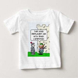 König ersetzter Dudelsackspieler mit dem einfachen Baby T-shirt