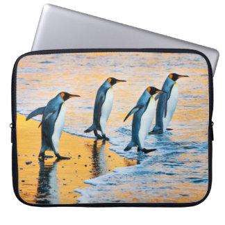 König Pinguine am Sonnenaufgang - Laptopkasten Laptopschutzhülle