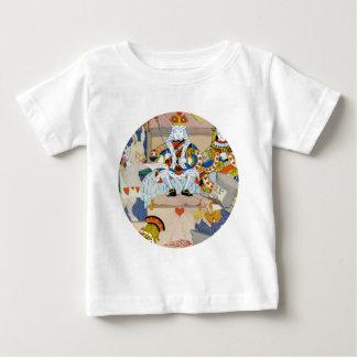 König und Königin der Herzen am Schurken der Baby T-shirt