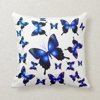 Königsblau-elegante wunderliche Schmetterlinge Kissen