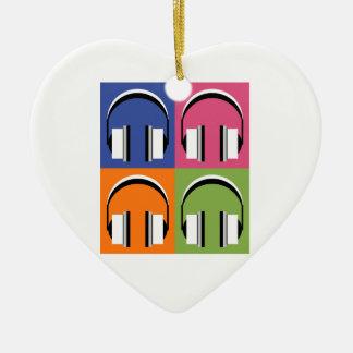 Kopfhörer in den hellen Farben Keramik Herz-Ornament