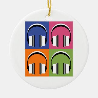 Kopfhörer in den hellen Farben Rundes Keramik Ornament