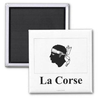 Korsika-Flagge mit Namen auf französisch Quadratischer Magnet