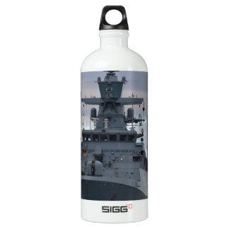 Korvette Braunschweig verankert in Plymouth Wasserflasche