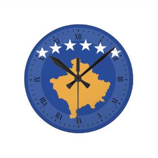 Kosovo-Flagge Runde Wanduhr