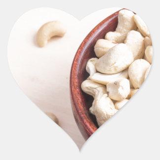 Köstliche und gesunde rohe Acajounüsse Herz-Aufkleber