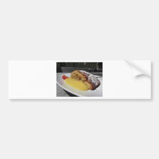 Köstlicher Apfelstrudel mit Vanillecreme Autoaufkleber