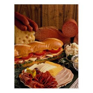 Köstliches Unterwassersandwich mit Fleisch und Postkarte
