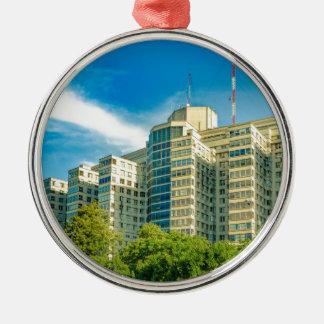 Krankenhaus-Gebäude-Außenansicht, Montevideo Silbernes Ornament