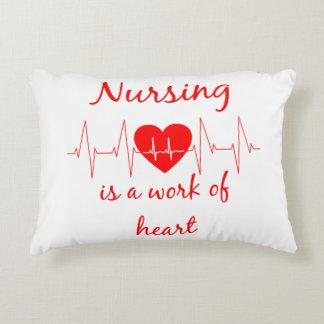 Krankenpflege ist eine Arbeit des Zierkissen