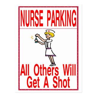 Krankenschwester, die nur parkt postkarte