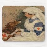 Krankenschwester mit golden retriever 1917 mauspads