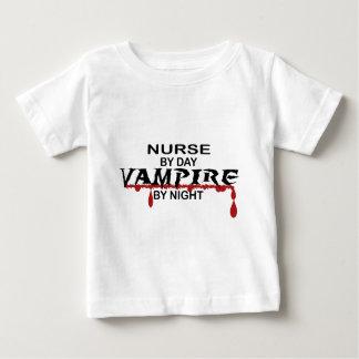 Krankenschwester-Vampir bis zum Nacht Baby T-shirt