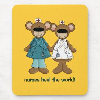Krankenschwestern heilen die Welt. Geschenk Mauspads