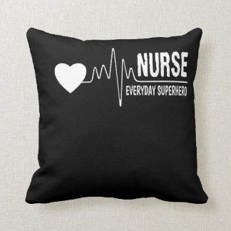 Krankenschwestertägliches Kissen