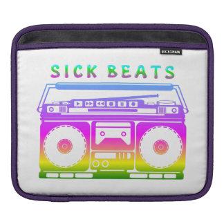 Kranker schlägt die Stereo Achtzigerjahre iPad Sleeve