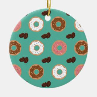 Krapfen und Kaffeebohnen Rundes Keramik Ornament
