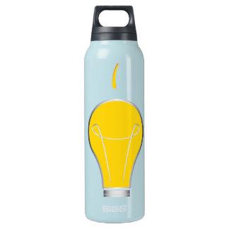 Kreative Idee der Glühlampe Isolierte Flasche
