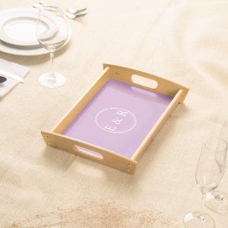Kreideartiges violettes tablett