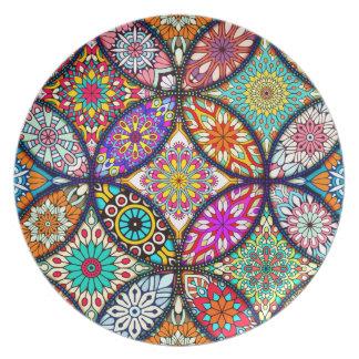 Kreis-Kunstmuster des BlumenMandalases kreatives Teller