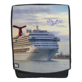 Kreuzfahrt-Schiff an Twilight mit Monogramm Rucksack