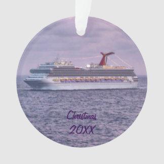 Kreuzfahrt-Schiff in lila datiertem Ornament