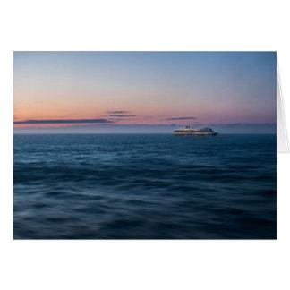 Kreuzschiff am Sonnenuntergang Karte