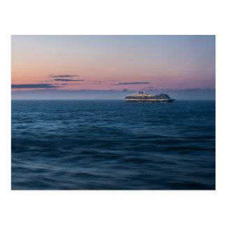 Kreuzschiff am Sonnenuntergang Postkarte
