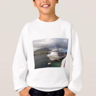 Kreuzschiff im Hafen Sweatshirt