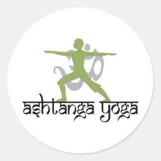 Krieger-Pose Ashtanga Yoga Runder Aufkleber