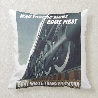 Kriegs-Verkehr muss kommen erstes WW-2 Kissen