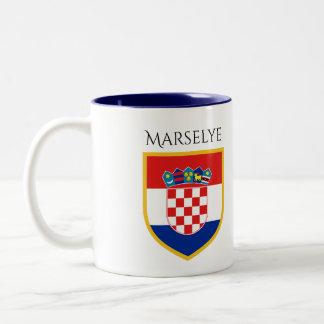 Kroatien-Flagge personalisiert Zweifarbige Tasse