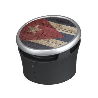Kuba-Flagge auf altem hölzernem Korn Lautsprecher