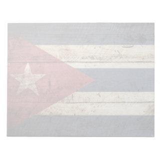 Kuba-Flagge auf altem hölzernem Korn Notizblock