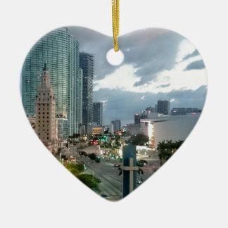 Kubanischer Freiheits-Turm in Miami 2 Keramik Herz-Ornament