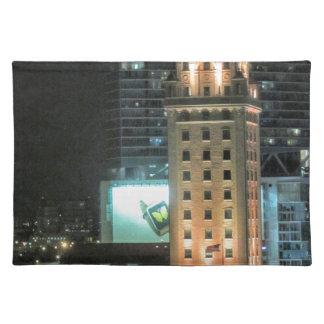 Kubanischer Freiheits-Turm in Miami 7 Stofftischset
