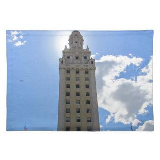 Kubanischer Freiheits-Turm in Miami Stofftischset