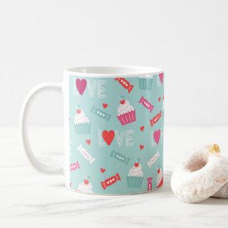 Kuchen-Herz-Liebe-Muster des Valentines Tages Kaffeetasse