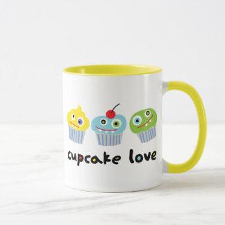 Kuchen-Liebe-Tasse mit verrückten Tasse