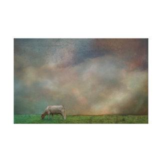 Kuh auf dem Gebiet Leinwanddruck