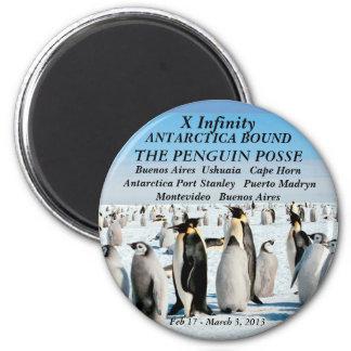 Kühlschrankmagnetunendlichkeit Penguingruppe 2013 Runder Magnet 5,7 Cm